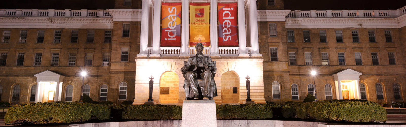 Abraham Lincoln statue in front of Bascom Hall